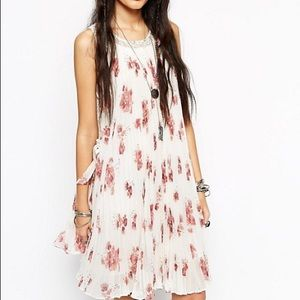 Feminine Free People Gardenia Pleated Lace Dress